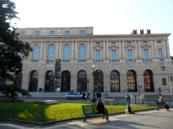 PIAZZA BRA | palazzo Gran Guardia |