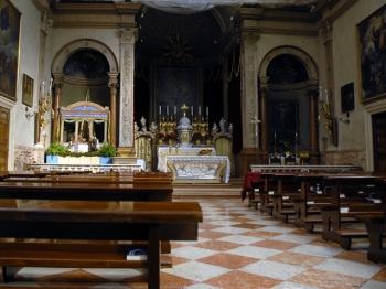 CHIESA SANTI APOSTOLI verona