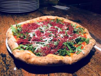 pizza con SFILACCI RUCOLA e GRANA