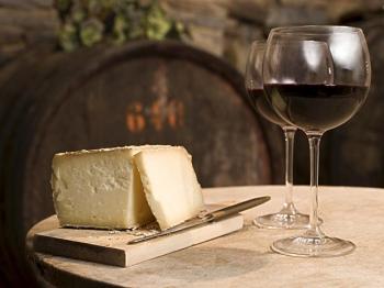 VINO VALPOLICELLA e formaggi del territorio