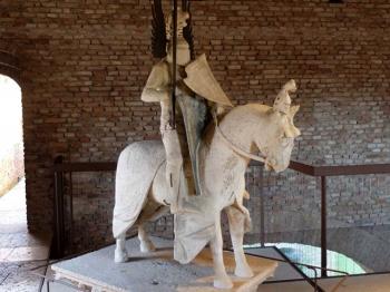 CASTELVECCHIO statua equestre di Mastino II