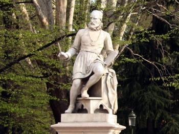 PAOLO CALIARI statua celebrativa