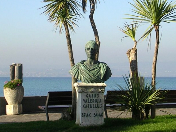 VALERIO CATULLO busto a Sirmione